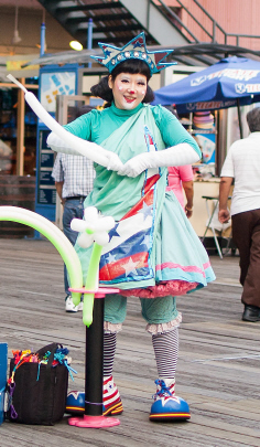 original, Statue of Liberty Clown, Summer Shiratori, Summer the Clown, New York Clown